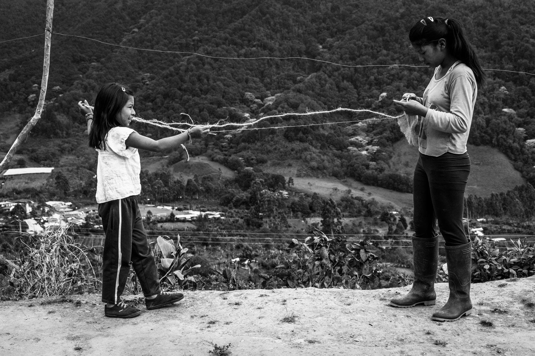 Finca de Luz Mery Pavi Tenorio (39 años). Francy Liliana Pazu Pavi (15 años) y Luz Zorayda (8 años), La Primicia, Resguardo San Francisco. Cauca, Colombia, Agosto 19, 2018.